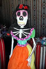 Doha  Katar  weibliche Skelettfigur