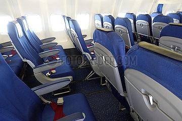 Amsterdam  Niederlande  Auswirkungen der Coronapandemie: unbesetzte Flugzeugsitze in einer Maschine der KLM