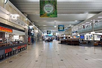 Minneapolis  USA  Auswirkungen der Coronapandemie: Keine Menschen im Terminal des Flughafen