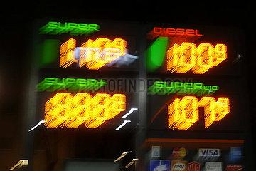 Berlin  Deutschland  Kraftstoffpreisanzeige