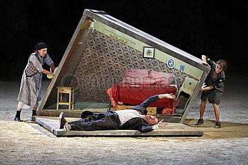 Avignon Festival 2011 Le Suicide