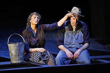 Maxim Gorki Theater Berlin FRUECHTE DES ZORNS