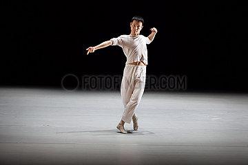 Wei  Shen (Choreograph  Regisseur und Taenzer)