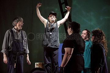 Theater Thikwa Berlin SOMMERNACHTSTRAUM