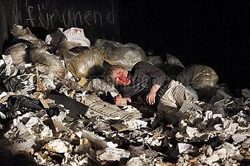 Deutsches Theater Berlin DIE AENGSTLICHEN UND DIE BRUTALEN