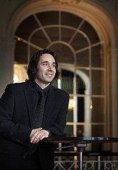 Nanasi  Henrik (Dirigent)