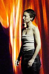 Avignon Festival 2011 BLOED & ROZEN. HET LIED VAN JEANNE EN GILLES