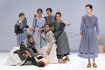 Avignon Festival 2012 THE FOUR SEASONS RESTAURANT