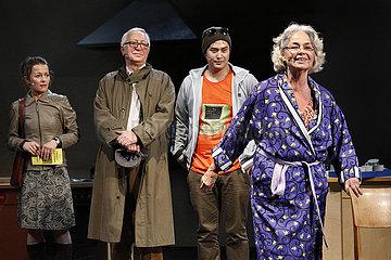 Grips Theater Berlin DIE LETZTE KOMMUNE