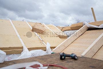 Daemmung eines Daches mit einer Holzwolledaemmung