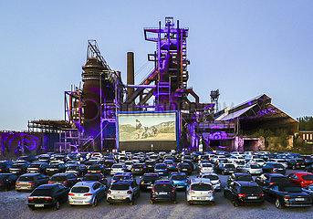 Autokino vor dem ehemaligen Huettenwerk Phoenix-West  Dortmund  Ruhrgebiet  Nordrhein-Westfalen  Deutschland