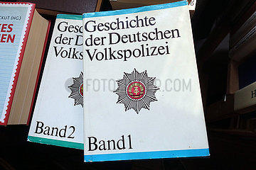 Berlinchen  Deutschland  Geschichte der Deutschen Volkspolizei Band 1 und Band 2