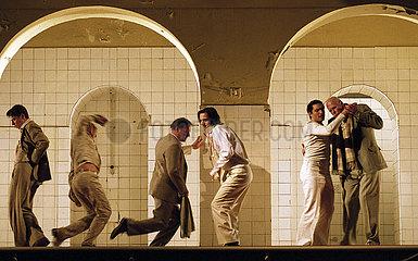 Maxim Gorki Theater DAS GASTMAHL