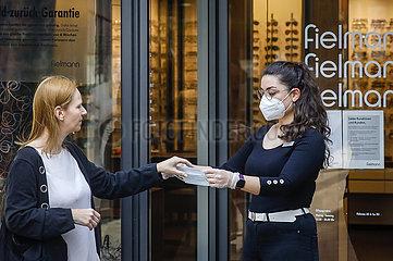 Maskenpflicht in NRW  Essen  Nordrhein-Westfalen  Deutschland