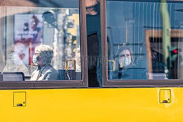 DEUTSCHLAND-BERLIN-COVID-19-FACE MASK-MANATORY