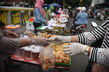 INDONESIEN-JAKARTA-COVID-19-RAMADAN