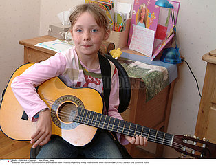 MUSICIEN GUITARISTE GUITAR PLAYER
