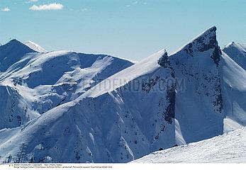MONTAGNE MOUNTAIN