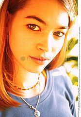 PORTRAIT FILLE ADOLESCENT!!PORTRAIT OF ADOLESCENT GIRL