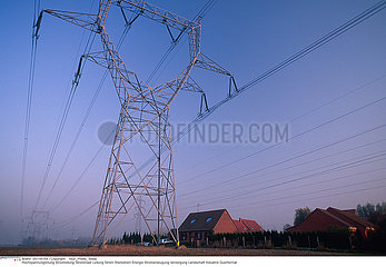 ELECTRICITE LIGNE HAUTE TENSION!!ELECTRICITY POWER LINE