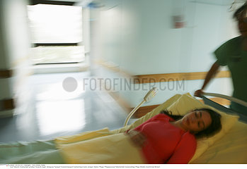 MALADE HOPITAL FEMME INFIRMIER!!WOMAN HOSPITAL PATIENT W. NURSE