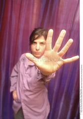 MAIN!!HAND.