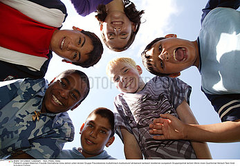 GROUPE ADOLESCENT!!GROUP OF ADOLESCENTS