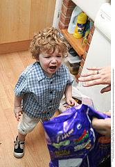 PORTRAIT ENFANT -5ANS PLEUR!!PORTRAIT OF CHILD UNDER 5 CRYING