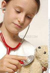 INTERIEUR JEU ENFANT!!CHILD PLAYING INDOORS