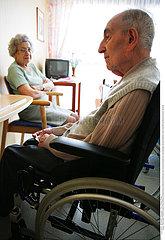 MALADE HOPITAL 3EME AGE!!ELDERLY HOSPITAL PATIENT