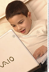 INFORMATIQUE UTILISATEUR ENFANT!!CHILD  COMPUTER