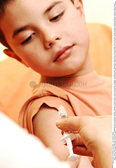 VACCIN ENFANT!!VACCINATING A CHILD