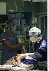 CHIRURGIE ENFANT!!CHILD IN SURGERY