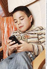 TELEPHONE ENFANT!!CHILD TELEPHONING
