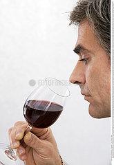 BOISSON HOMME!!MAN DRINKING