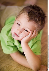 INTERIEUR ENFANT!!CHILD INDOORS