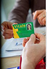 SECURITE SOCIALE CARTE!NAT'L HEALTH SERVICE CARD