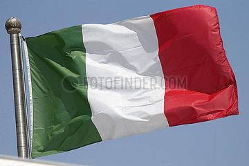 Berlin  Deutschland  Nationalfahne von Italien