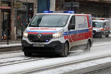 Krakau  Polen  Notarzt auf Einsatzfahrt
