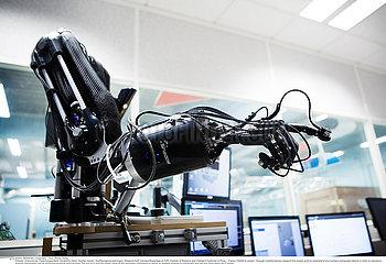 Reportage_153 Roboterforschung / ROBOTICS RESEARCH