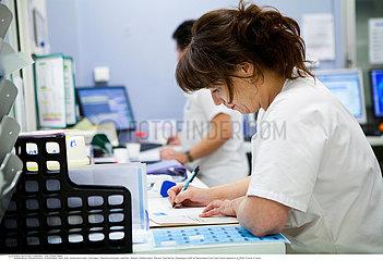 Reportage 174 Notaufnahme / EMERGENCY CASE  HOSPITAL