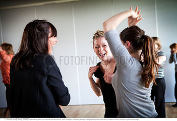 Reportage_156 Lachtherapie / LAUGHTER CLUB