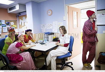 Reportage_183 Krankenhausclowns / ASSOCIATION CLOWNS DE L'ESPOIR