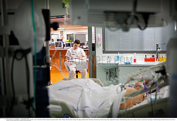 Reportage_146 Intensivstation INTENSIVE CARE UNIT