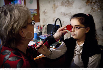 Reportage 185 Orthoptik / ORTHOPTICS  CHILD