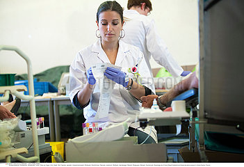 Reportage_202 Blutspende  Blutspendedienst / BLOOD DONATION