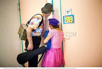 Reportage Clowneinsatz im Pflegeheim / CLOWNS ASSOCIATION