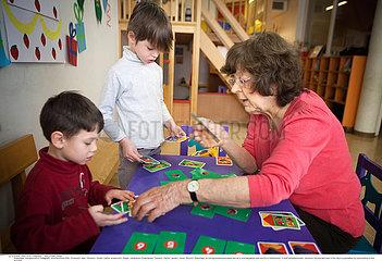 Reportage_270 Intergenerative P?dagogik/INTERGENERATIONAL RELATIONSHIP