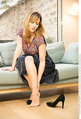WOMAN WITH ANKLE PAIN