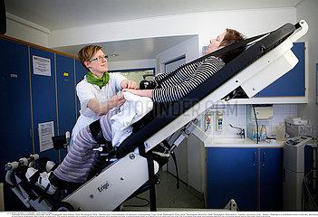 Reportage_261 Neurorehabilitation / WOMAN IN REHABILITATION